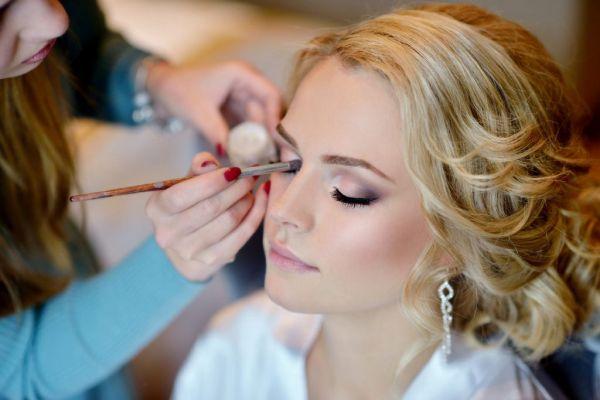 choosing-makeup-artist